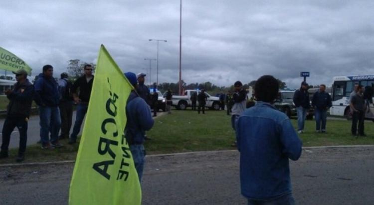 Protestas de trabajadores en Atucha