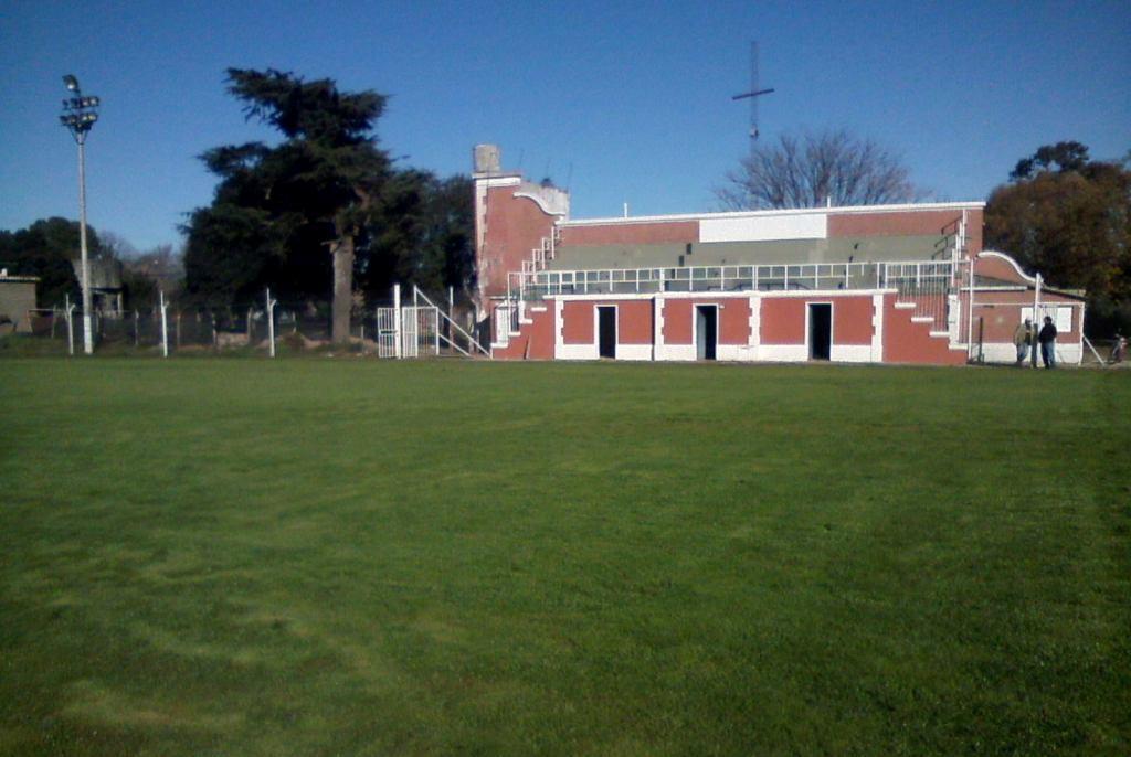 "Estadio ""Enrique Fitte"""