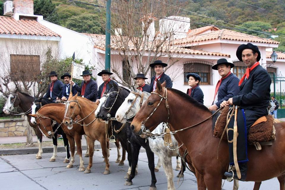 Recuerdo de Durañona en Salta junto a su hijo y Alberto San Martín.
