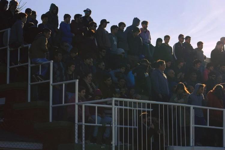 Estadio Enrique Fitte - Hinchas