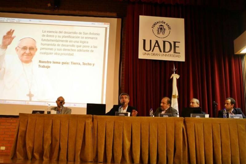 Durañona disertó en la UADE