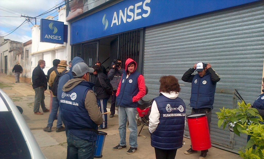 Protesta en ANSES local