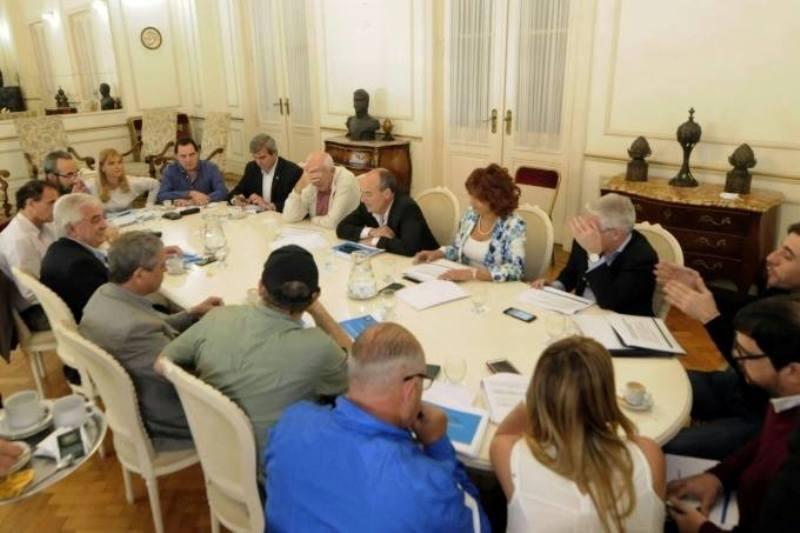 Funcionarios bonaerenses recibieron a intendentes del peronismo