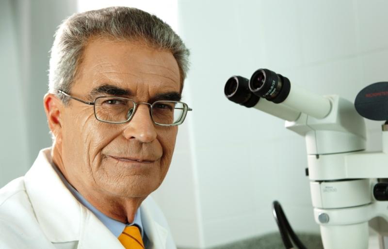 Dr. Adrián Barceló -Profesor de anatomía y miembro del Consejo Superior de la Fundación Barceló-