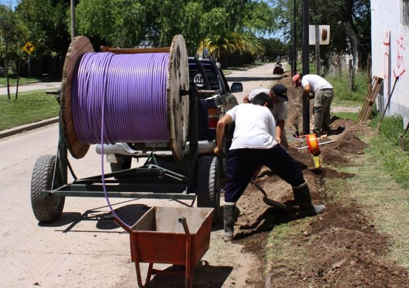 Renovación de luminarias en la avenida Quetgles